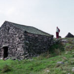 Peat hut above Eskdale, Sept 1989 (114-041)