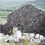 Later peat hut above Eskdale, Sept 1989 (114-212)